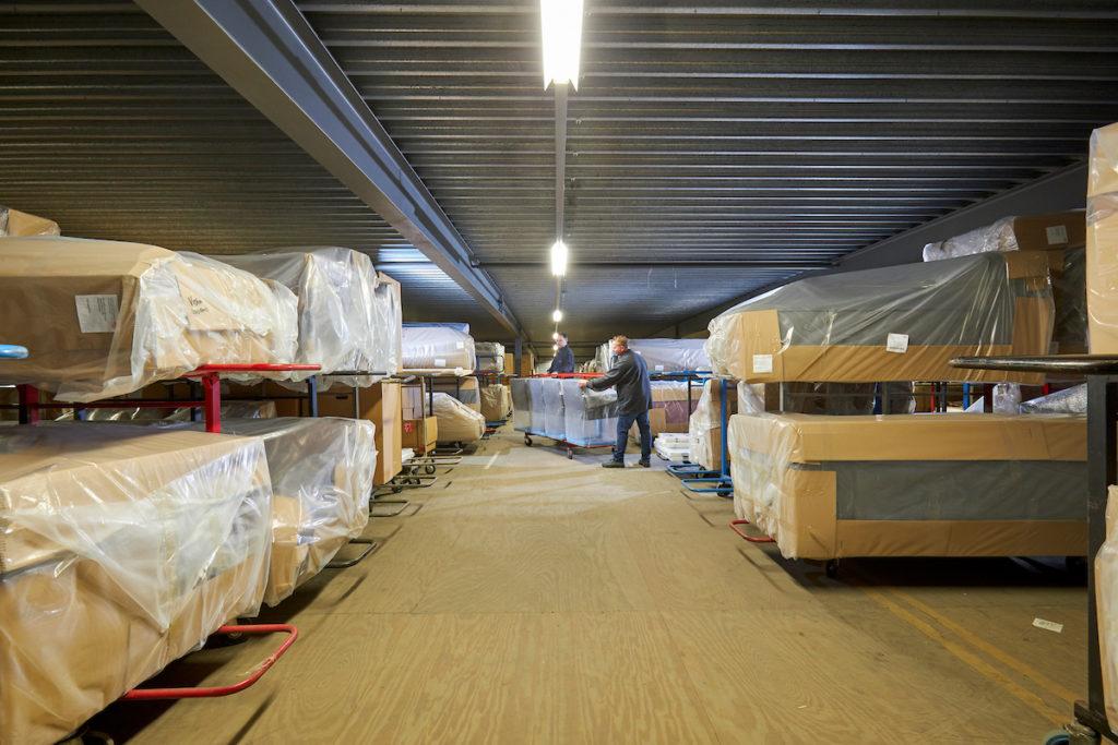 meubelopslag en warehousing